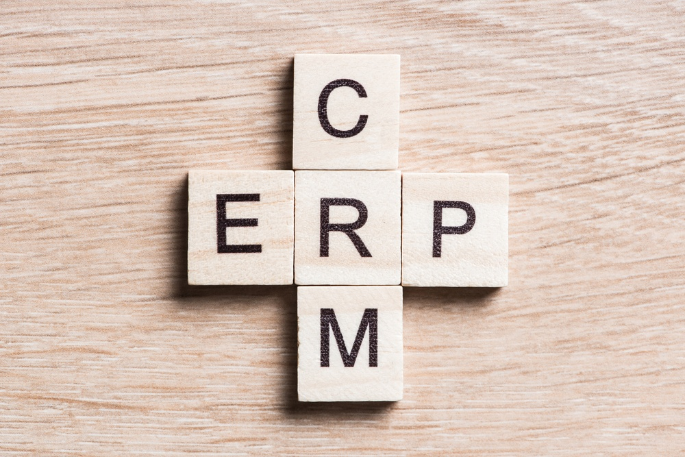 ERPとCRM、それぞれの役割と違い