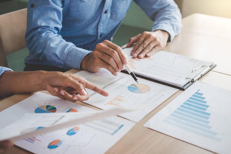 事業セグメント単位での業績管理を月次化する必要性と方法とは