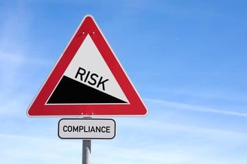 コンプライアンスとリスクの関係は?