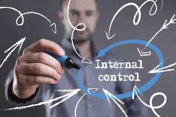 内部統制とは?内部監査の違いや行う上で大切なポイントを解説!