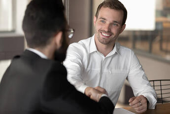 従業員が入社する際の手続きは?必要書類などをまとめて解説