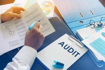 会計監査とは?具体例や報告する際に注意したいポイントを解説!