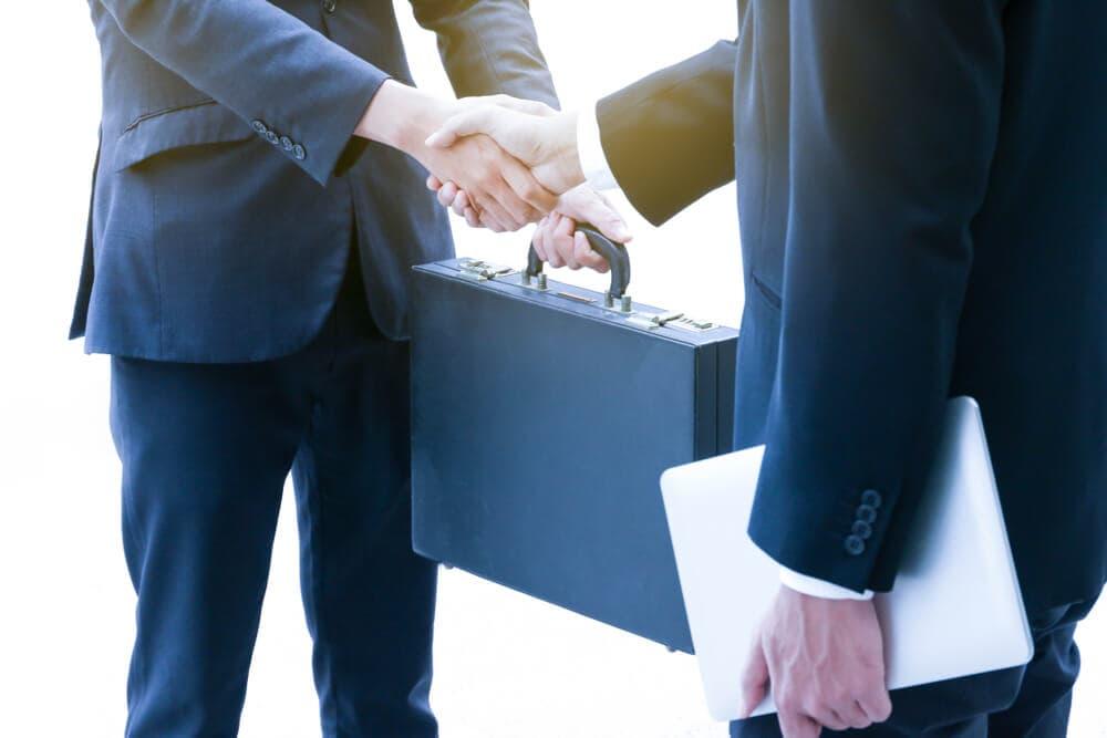 事業承継と事業譲渡の違いを解説