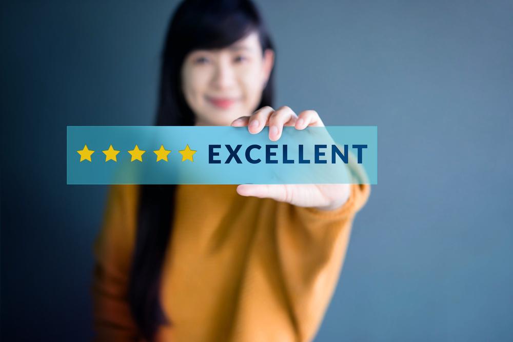 顧客ロイヤリティとは?その意味や重要性から向上のためのヒントまで解説